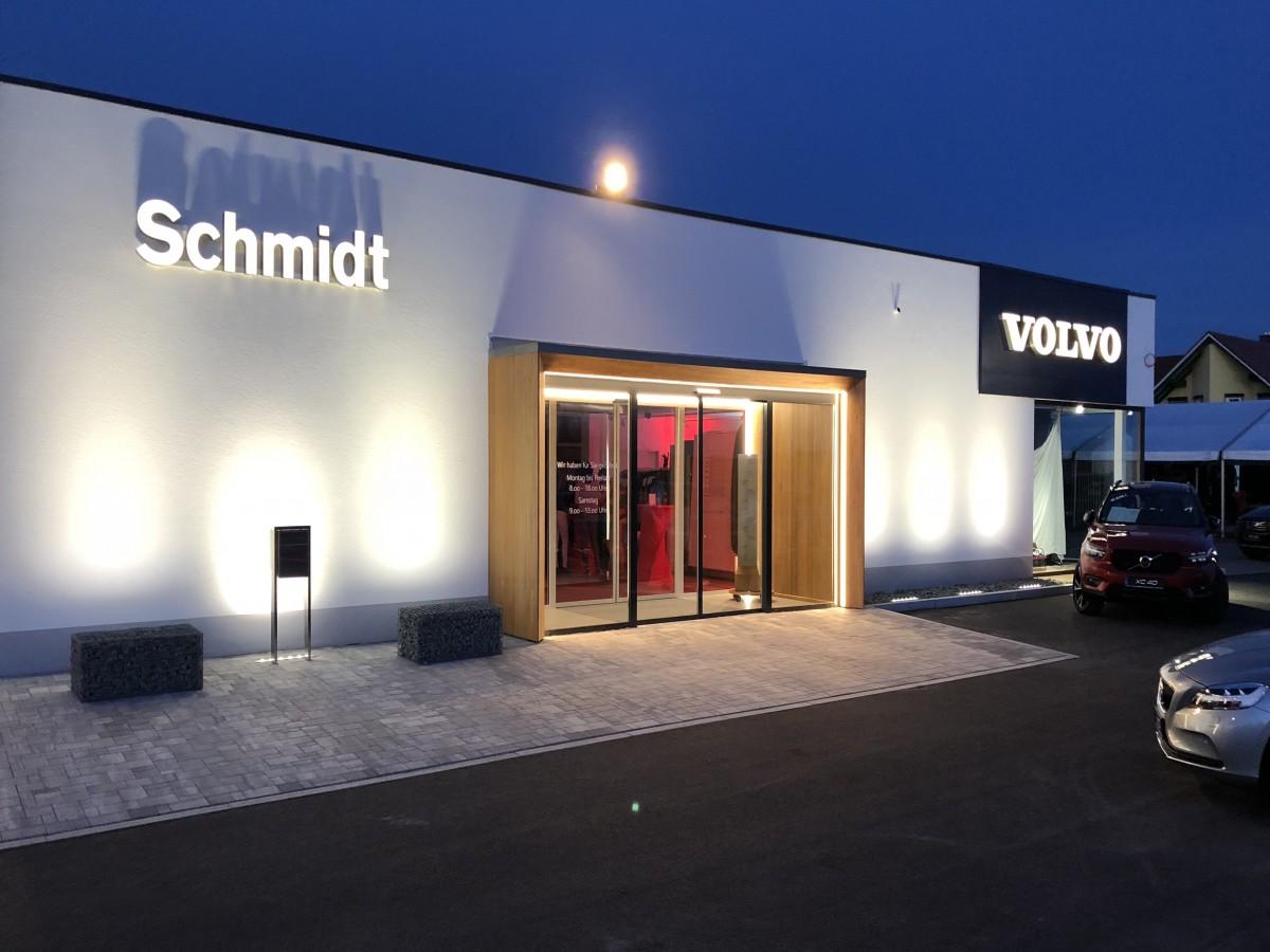 Der Eingangsbereich des Volvo-Autohauses - Foto: Maik Schroeder